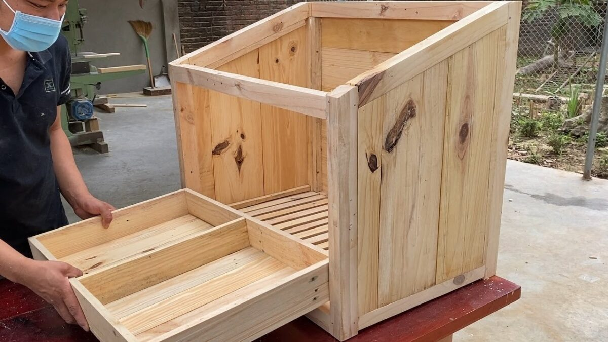 Essential Creative Ideas For Your Hens // Easy Way To Build Chicken Nesting Boxes