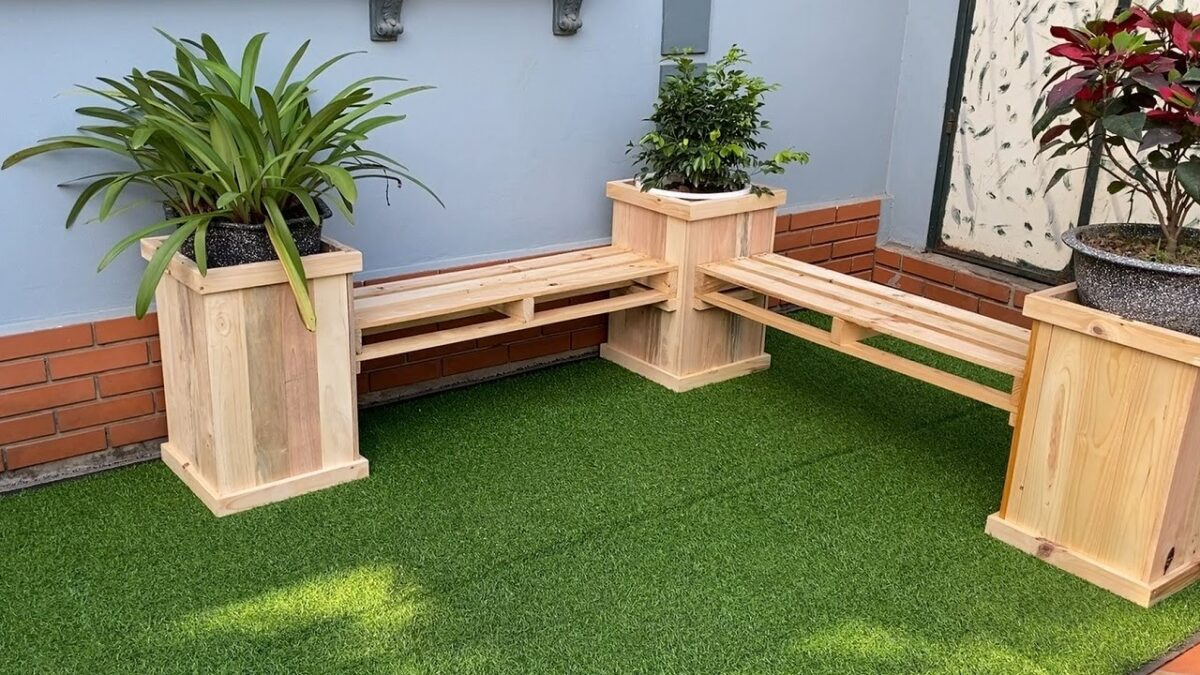 Pallet Ideas To Create Something Amazing At Home // Build A Pallets Wooden Planter Benches