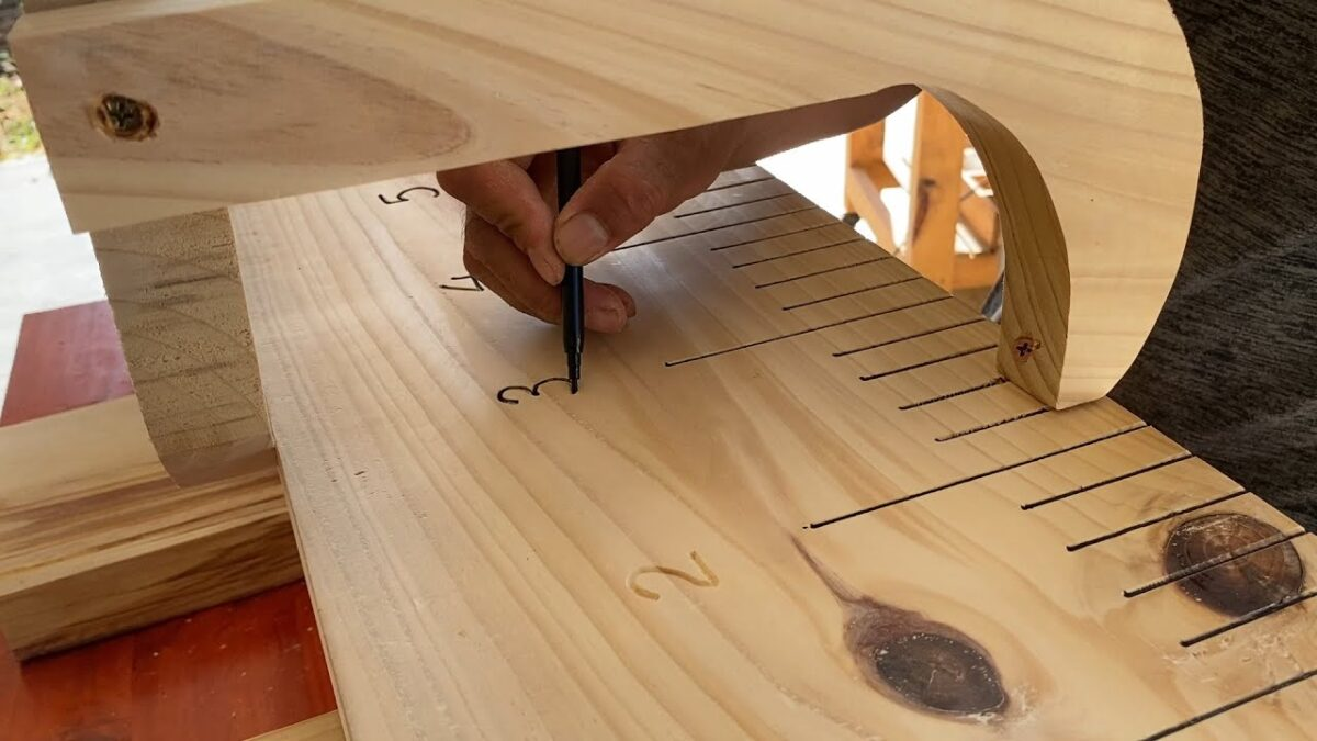 Amazing Extremely Creative Woodworking Idea // Great Bench For Your Reading Room Or Library