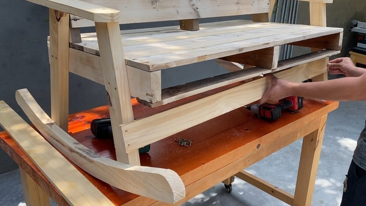 Creative Recycling Ideas For Used Wooden Pallets | Ideas for Pallet Rocking Chairs
